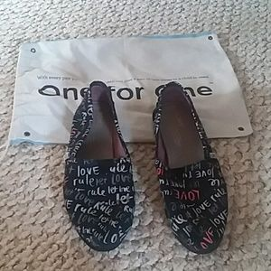 All you need is LOVE slippers from Toms